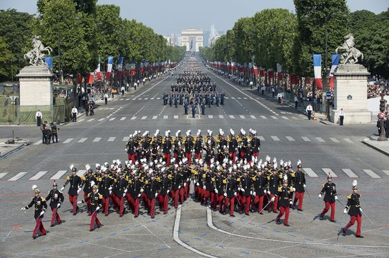bastille day paris parade