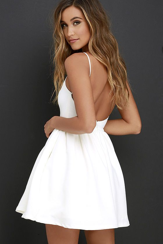 White backless dress casual