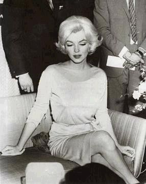 Marilyn at a press conference at the Hilton Hotel, Mexico, February 22nd 1962.