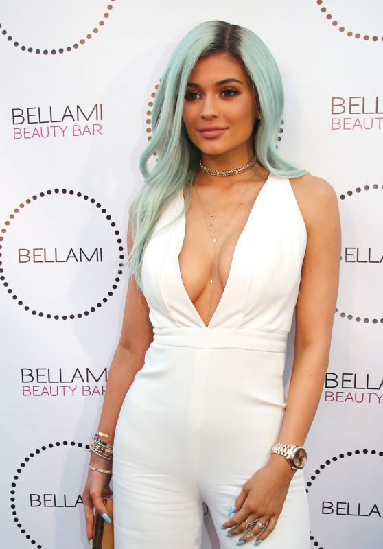 Kylie Jenner - Bellami Beauty Bar in West Hollywood, July 2015