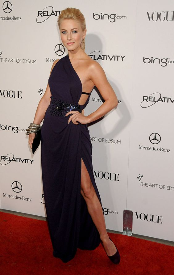 Julianne attended The Art Of Elysium's 4th Annual Black Tie Charity Gala in a daring backless gown. http://aol.it/1n24zGG