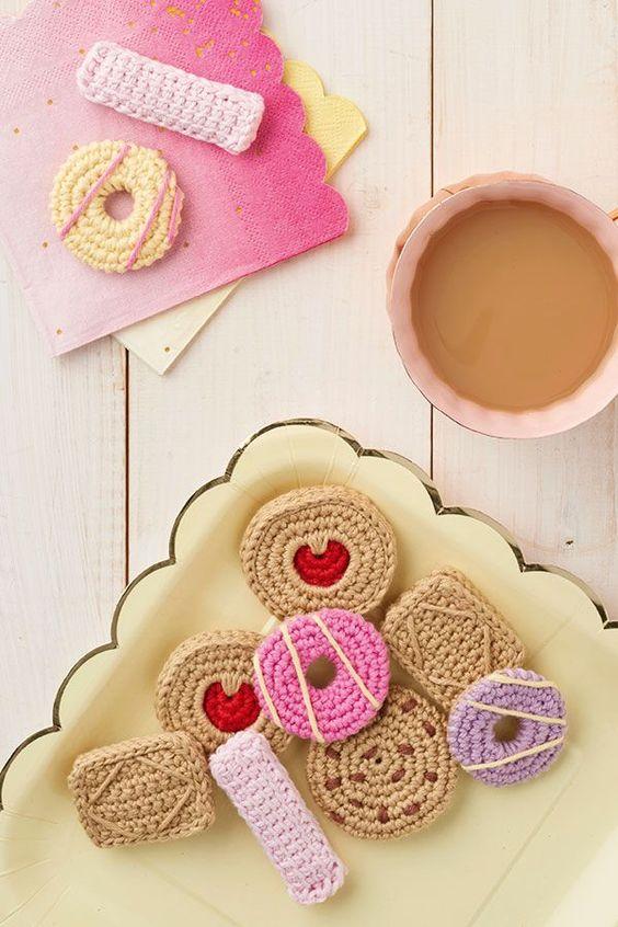 Free biscuit crochet pattern: