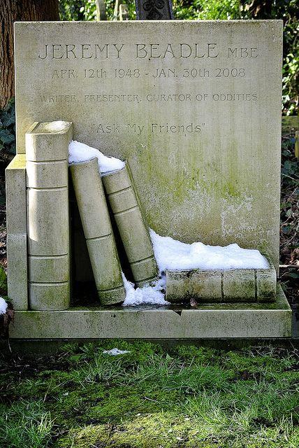 (14) highgate cemetery | Tumblr