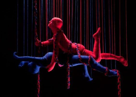 Esculturas com lã por: Erik Ravelo.   fonte: http://www.olhardireto.com.br/conceito/noticias/exibir.asp?noticia=Kama_Sutra_artistico_Cubano_faz_esculturas_cobertas_de_la_ilustrando_as_famosas_posicoes&edt=5&id=2853