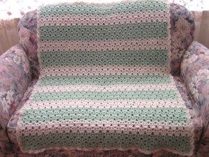 cupcake afghan.  This crocheted afghan looks like little cupcakes!