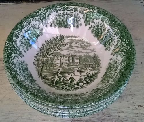 """New Vintage Set Currier /& Ives Blue /& White 7.75/"""" Soup Bowls Churchill England"""