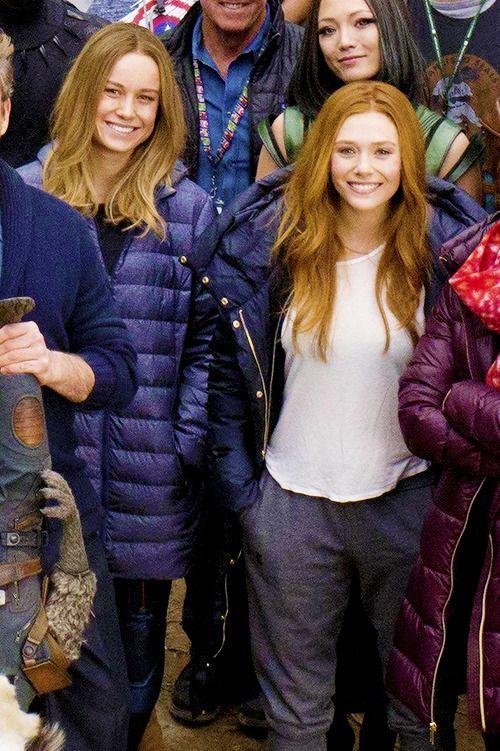 Elizabeth Olsen Brie Larson On Set Of Avengers Endgame Marvel Girls Female Avengers Marvel Women