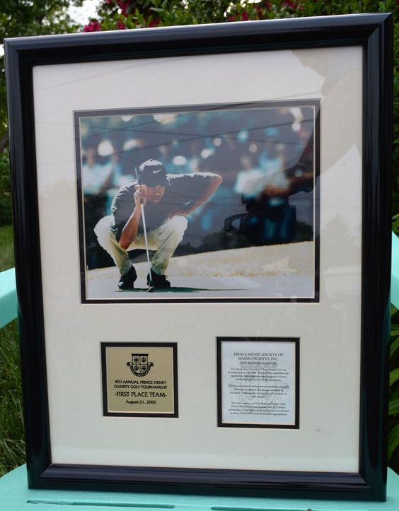 2000 PRINCE HENRY CHARITY GOLF TOURNAMENT TIGER WOODS PHOTO, & PLAQUE-FRAMED