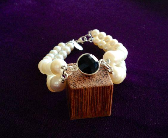 Double Layer #Pearls Bracelet