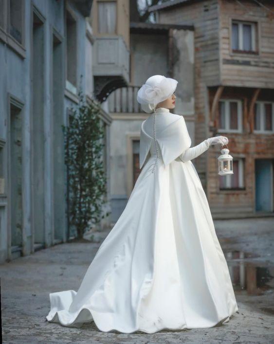 اناقه العروس في يوم الزفاف 053eb6d7e7c97c6809a0ce615e39acfc.jpg