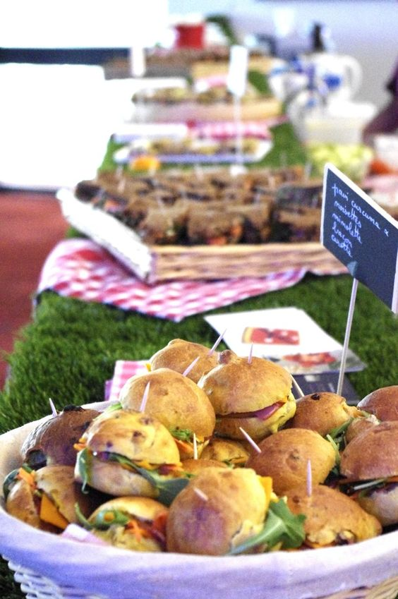 Mini sandwichs buffet de f te and sandwiches on pinterest for Fausse herbe deco