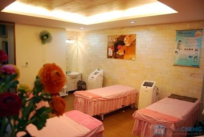 Thẩm mỹ viện bác sĩ Minh được biết đến là trung tâm thẩm mỹ hàng đầu Việt Nam về phẫu thuật thẩm mỹ và chăm sóc da. Các lĩnh vực hoạt động của thẩm mỹ viện vô cùng đa dạng nhằm đáp ứng nhu cầu sử dụng dịch vụ làm đẹp của khách hàng. Trong đó, dịch vụ nâng ngực nội soi Thái Lan  của thẩm mỹ viện đã được khách hàng tin dùng trong nhiều năm qua.