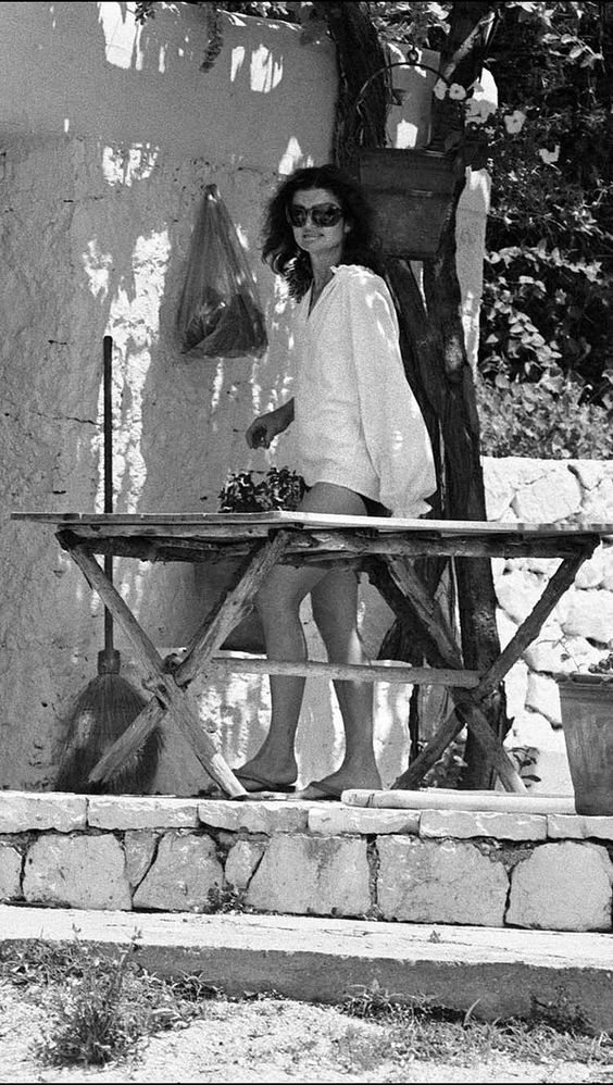 Greece Is the Word—Here's How to Copy Jackie O.'s Style Formula