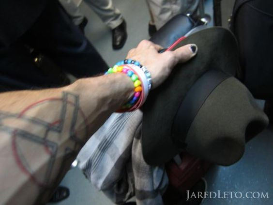 JARED LETO (@JaredLeto) | Twitter  NOTES FROM THE OUTERNET Photo Flashback: Two bags, hat, + a tatt
