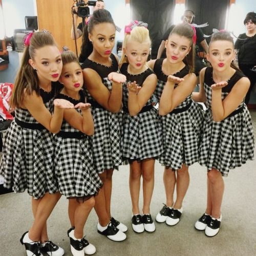 How cute is this picture? From left to right; Maddie Ziegler, Mackenzie Ziegler, Nia Frazier, Jojo Siwa, Kalani Hilihiker and Kendall Vertes pose for a picture backstage.=)