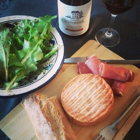 So simple: epoisses, ham and salad from the garden. #french #dinner