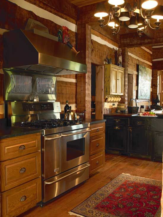 Log home kitchen - Hearthstone provided logs