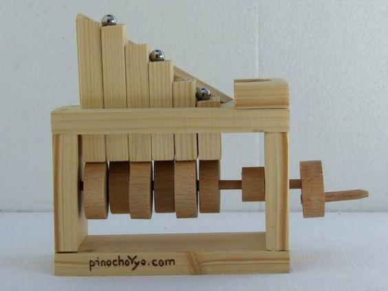 Wooden MiniMarbel Toy by PinochoYyo Sencillos Juguetes de Madera