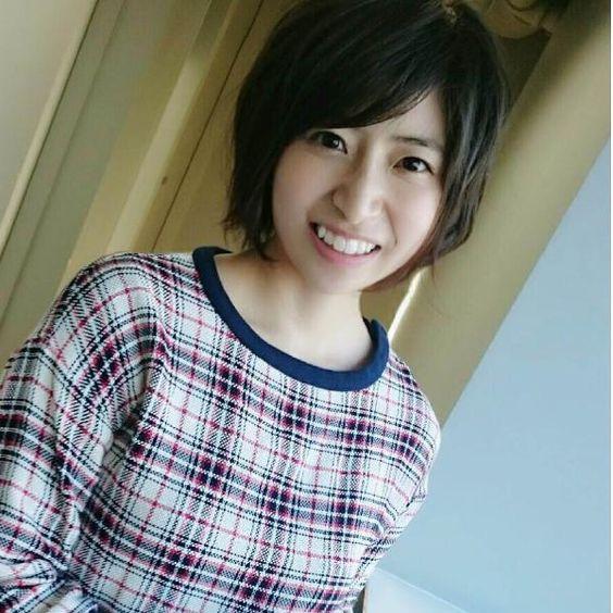 チェック柄洋服の南沢奈央
