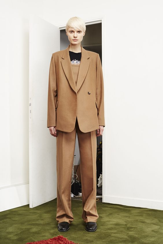 See the complete Each x Other Pre-Fall 2016 collection.