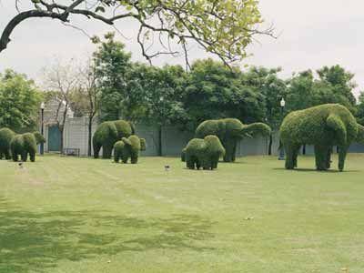 The Bohemian Luxe Life: Garden Art