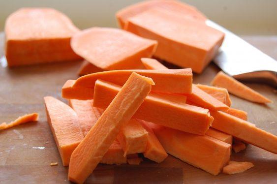 Guaranteed Crispy Sweet Potato Fries & Sriracha Mayo Dip | The Art of Doing Stuff