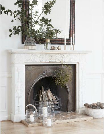 jolie deco cheminee marbre blanche ancienne le blog deco. Black Bedroom Furniture Sets. Home Design Ideas