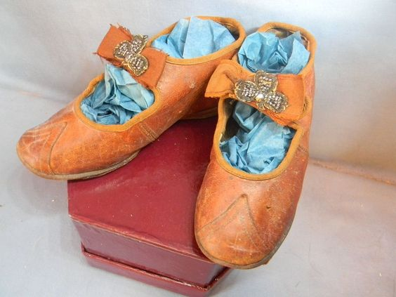 Large Pair of Shoes from dyanna on Ruby Lane