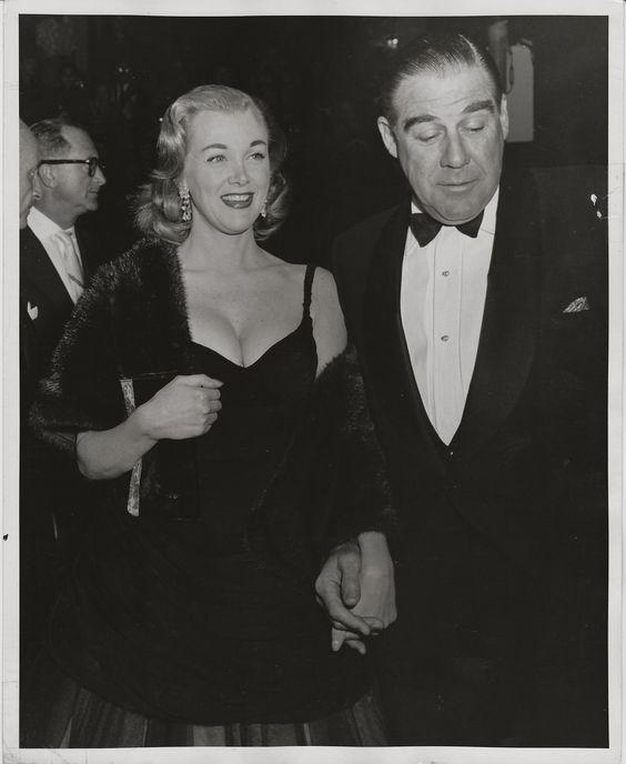 Jan Sterling & Paul Douglas attend film premiere ~ ORIGINAL 1955 press photo: