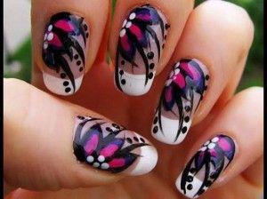 francesinha com adesivo de flor preta,rosa e branca