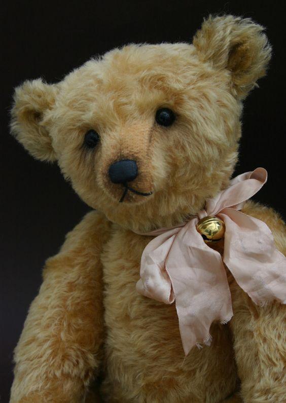 Taiwan Teddy Bear Association: Online Teddy Bear Gallery Artist Gallrty - Humble-Crumble Collectors Bears (Victoria Allum)