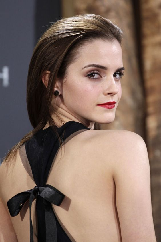 Emma Watson gorgeousness - don't like her hair in this pic (don't say *that* often!) but the back of her dress is drop-dead gorgeous