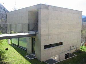 Casa Gobbi, Luigi Snozzi, Tegna, Tessin/ Schweiz, kubisch, Sichtbeton, thermolackiert