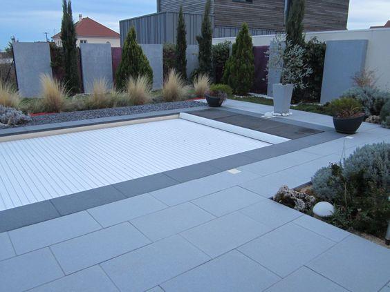terrasse autour de la piscine dalle arcadia premium de chez birkenmeier grises et anthracites. Black Bedroom Furniture Sets. Home Design Ideas