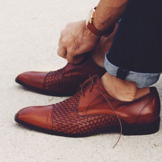 Brown cap-toe oxfords for men. Summer shoes | Casual dress shoe: