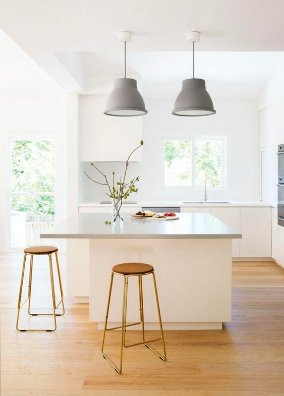 Kleine Küche Modernes Design Minimalistisch Weiß Grau Viel Tageslicht