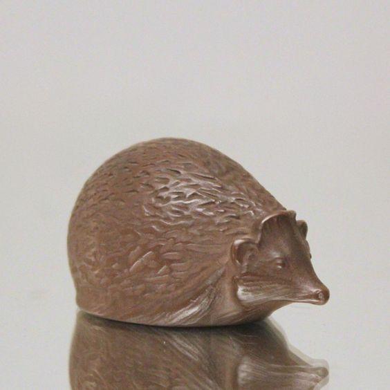 Meissen: Igel aus Böttgersteinzeug nach Erich Oehme, Art Déco, Tierfigur