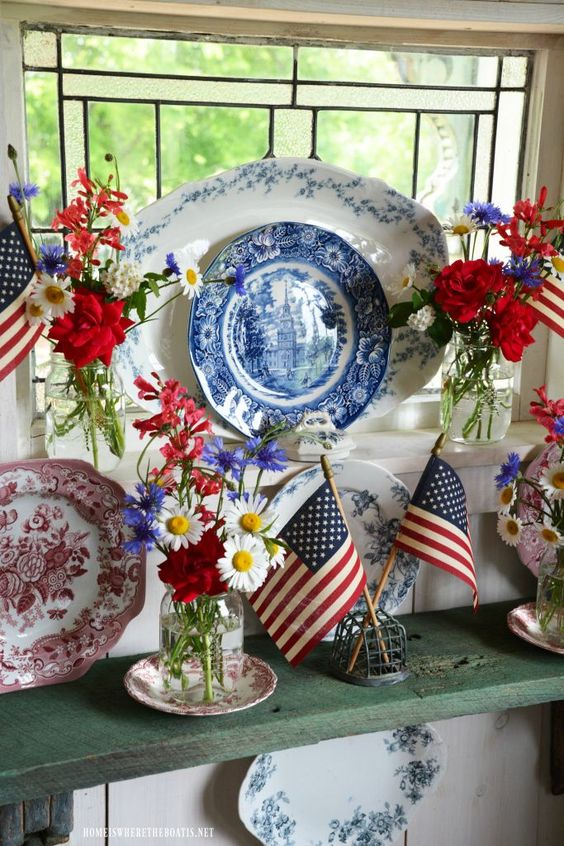 Celebrate the Red, White and Blue: Stars and Stripes Ball Jars Bouquets, Transferware and American Flags   ©️️ homeiswheretheboatis.net #patriotic #Balljars #flag