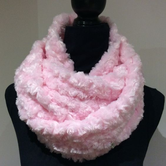 Soft Pink Infinity Scarf, Minky Faux Fur Scarf, Infinity loop, Circle scarf, women's scarf, loop scarf by SissyandTodo on Etsy