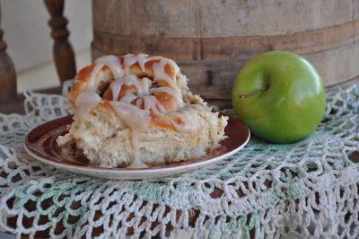 Hope In Every Season: Apple Rolls from Great Grandma's Kitchen ---Homemaking Link-up Weekend
