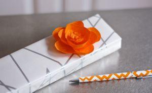 Passo a Passo Flor de Papel Crepom: Orange Flower, Paper Craft, Paper Flower, Diy Craft, Flower Tutorial