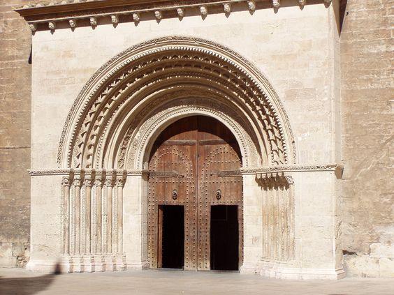 Porta de l'Almoina o del Palau, Catedral de València par twiga_swala