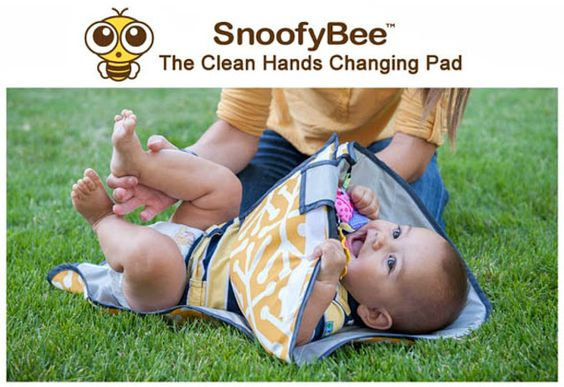 Reviews, Chews & How-Tos: Review/Giveaway: SnoofyBee Clean Hands Changing Pa...