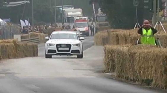 Motorevival Auspuff-Flammen am Audi 90 Quattro 720PS Stadtparkrennen Ham...