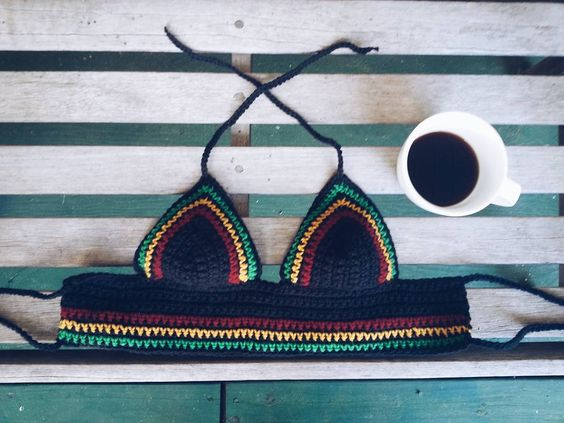 Goodmorning! Rasta tops are available in my etsy (link in bio)  #etsy #rasta #crochet #crochettop #handmade #smallbusiness #gypsy #hippy #boho #bohostyle #bohemian #cute #love #like #follow #look #design #morning #coffee #shop #festival #festivalstyle #croptop #summertop #mindfulknots by mindfulknots