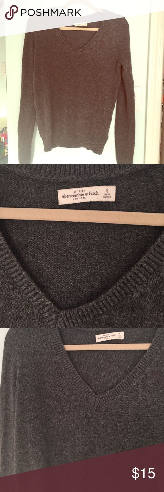 A&F gray sweater Never worn! A&F size small Abercrombie & Fitch Sweaters Crew & Scoop Necks