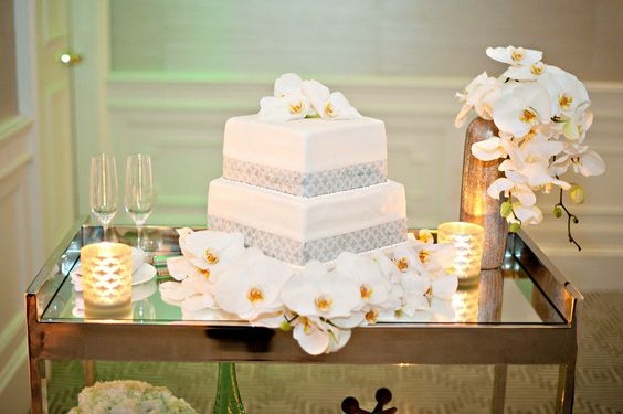 Cake by nkconfections.com, Florals by  rjackbalthazar.com, Design & Styling by kristinbanta.com, Photography by yrphoto.com