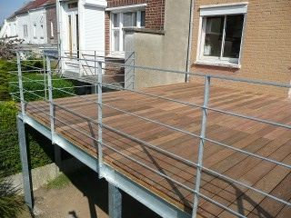Mezzanine and m taux on pinterest - Balcon metallique suspendu ...