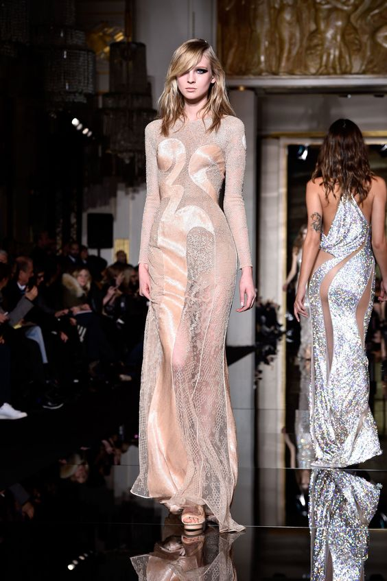 The Most Scandalously Sexy Dresses From the Atelier Versace Couture Show   - ELLE.com