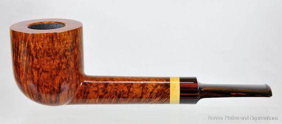 Pfeifen Bjarne  9mm Filter Gewicht : 43 g Länge : 13,2 cm Höhe : 4,2 cm Breite : 3,8 cm Bohrung : 1,9 cm x 3,5 cm Mundstück : Cumberland
